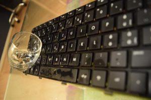 liquide-sur-clavier